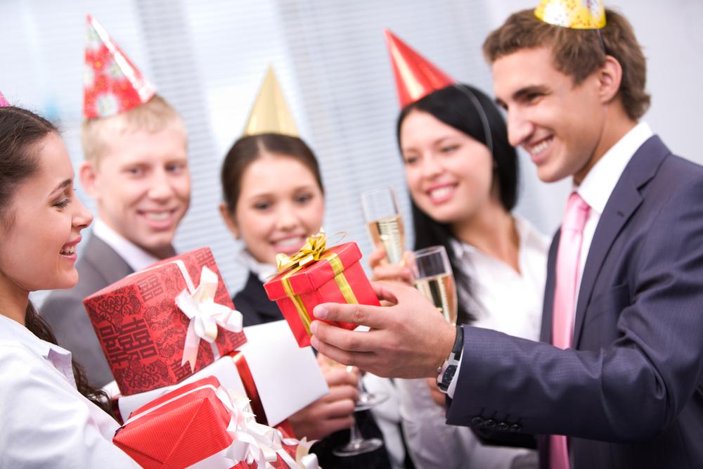 свойство корпоратив поздравления к праздникам поделитесь своей историей