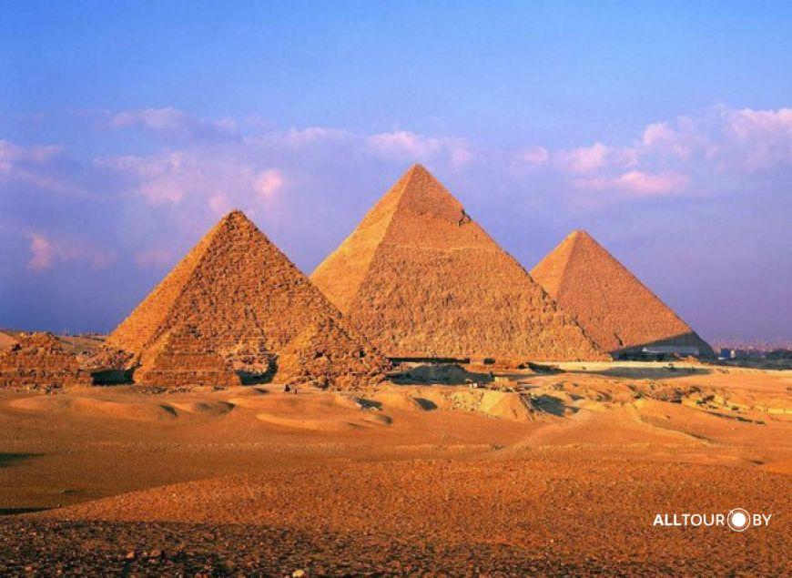 Пирамиды в Гизе - самые известные пирамиды Египта.