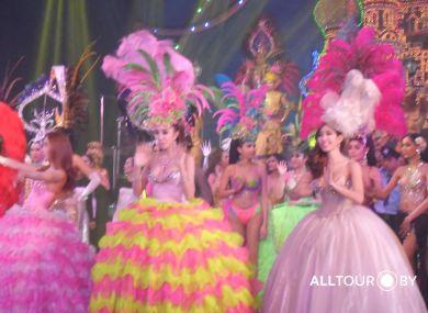 Шоу трансвиститов в Патайе самое большое в Таиланде