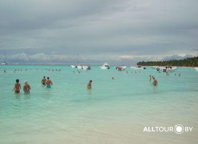 Море в Доминикане удивительного цвета