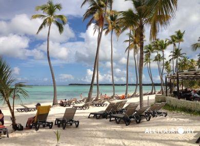 На таком пляже хочется лежать вечно)