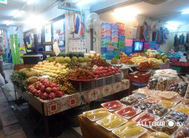 Рыночки Таиланда изобилуют свежими фруктами